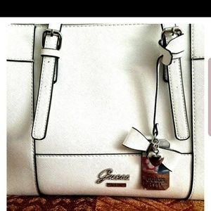 Guess Hand Bag.